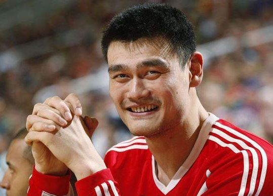 Houston Rockets Yao Ming from China is pictured during a timeout against the Phoenix Suns in the second quarter of their NBA basketball game in Phoenix, Arizona